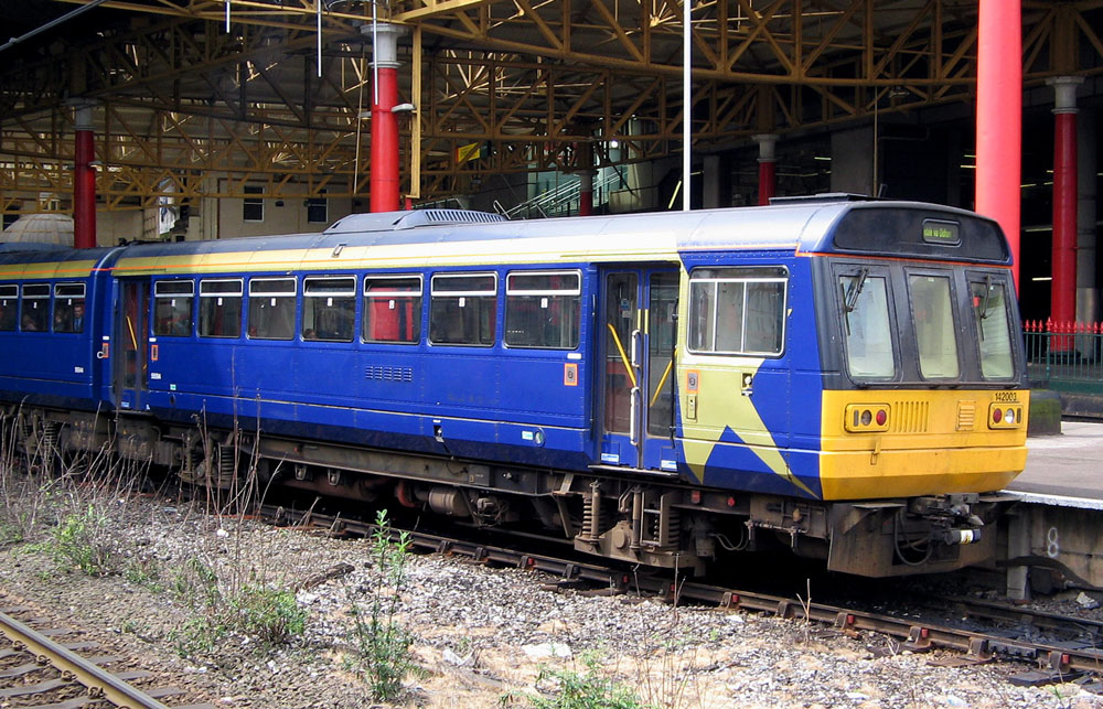 Pacer_at_Manchester_Victoria